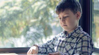 jongen met autisme