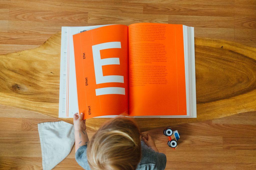 voorlezen-dyslexie-leren-lezen-avi-jmouders.nl