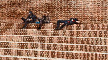 Pubers: hangen, uitslapen en social media